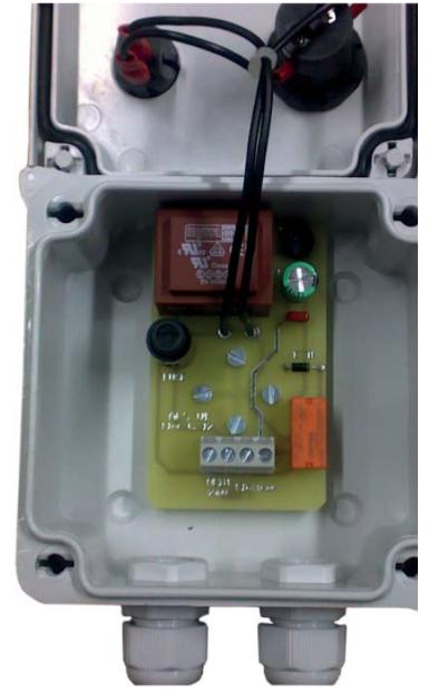 schéma raccordement d'alarme CA240 pour pompe à eau